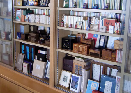 豆本の本棚.JPG